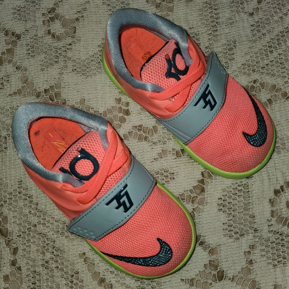 Nike Other - Nike Kevin Durant Baby Girl Shoes Neon Pink Size 5